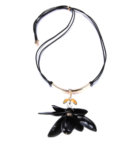 Korean Fashion Black Acrylic Flower Pendant Necklaces Imitation Crystal Inlay Double Leather Rope Necklaces Jewelry
