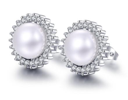 Elegant Flower Design Stud Earrings Womens Simulated Pearl Inlaid Jewelry